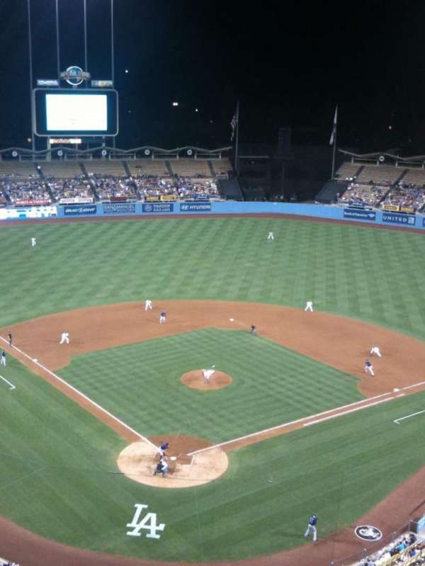 Dodger Stadium, secção: 2TD, fila: B, lugar: 10