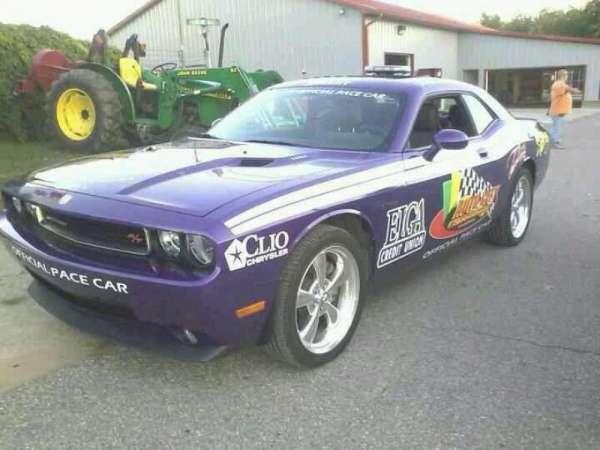 Auto Club Speedway, secção: pits, fila: upclose, lugar: drivers