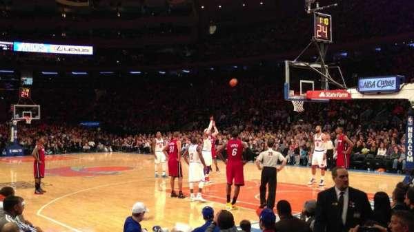 Madison Square Garden, secção: 7, fila: 4, lugar: 1