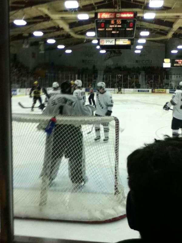 Lawson Ice Arena, secção: 1, fila: 2, lugar: 3