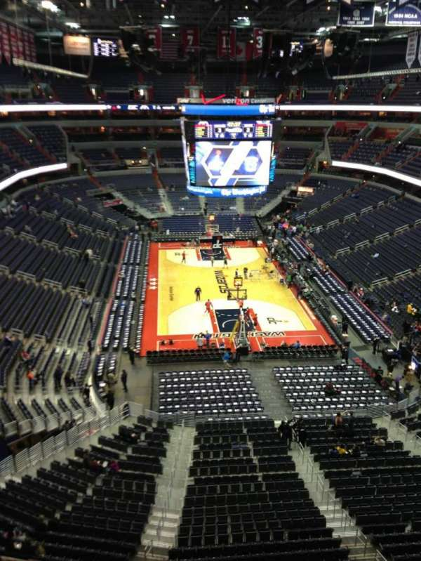 Capital One Arena, secção: 425, fila: G, lugar: 1