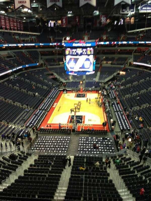 Capital One Arena, secção: 426, fila: G, lugar: 1