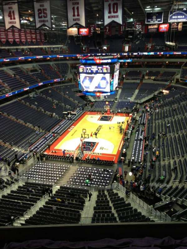 Capital One Arena, secção: 427, fila: G, lugar: 1