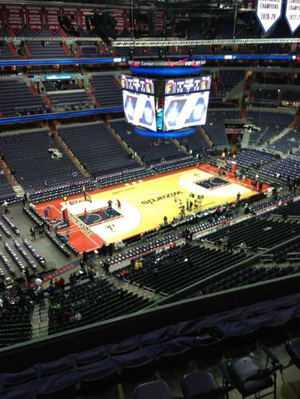 Capital One Arena, secção: 432, fila: G, lugar: 1