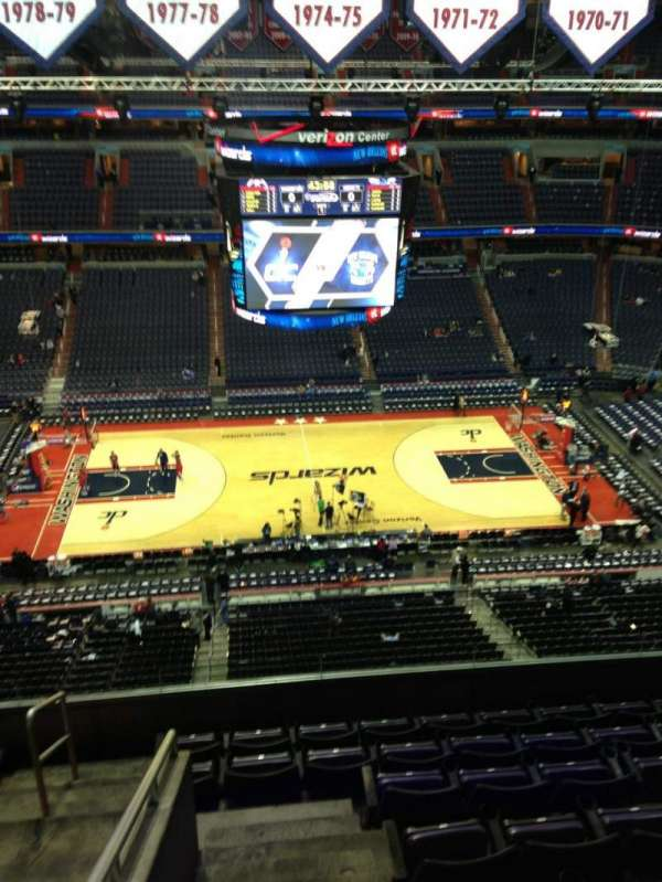 Capital One Arena, secção: 400, fila: G, lugar: 1