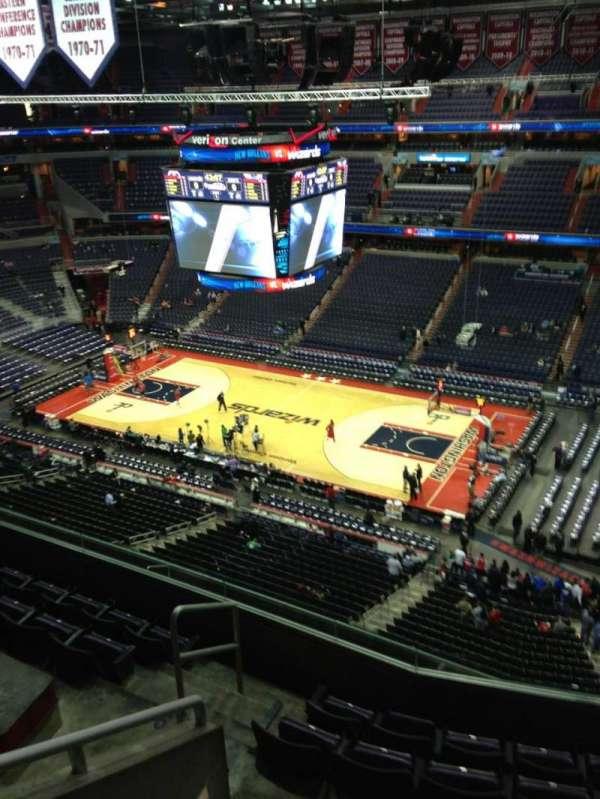 Capital One Arena, secção: 405, fila: G, lugar: 1