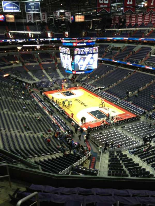 Capital One Arena, secção: 408, fila: G, lugar: 1