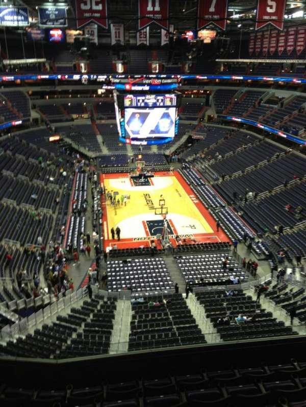 Capital One Arena, secção: 410, fila: G, lugar: 1