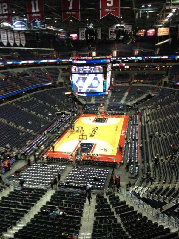 Capital One Arena, secção: 411, fila: G, lugar: 1