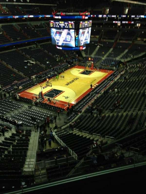 Capital One Arena, secção: 413, fila: G, lugar: 1