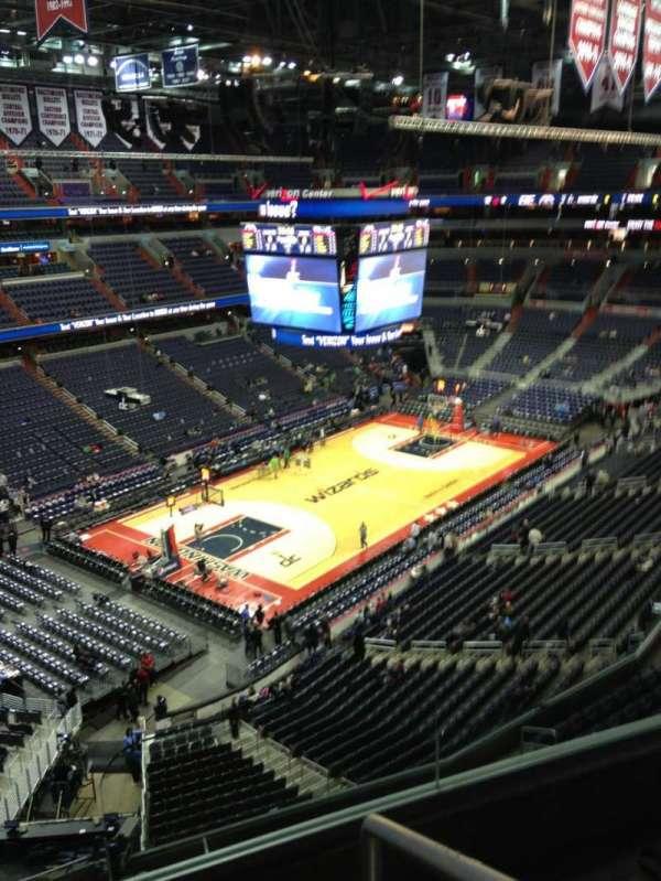 Capital One Arena, secção: 414, fila: G, lugar: 1