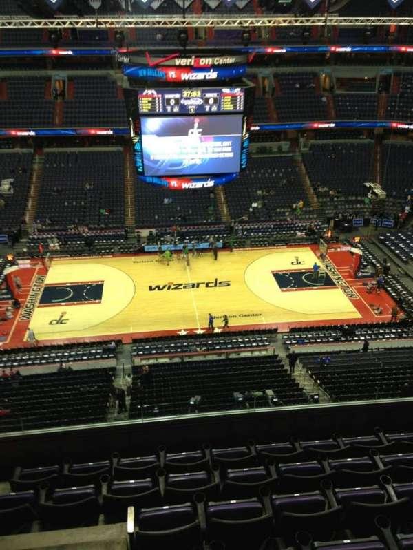 Capital One Arena, secção: 418, fila: G, lugar: 1