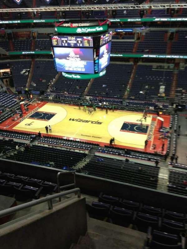 Capital One Arena, secção: 419, fila: G, lugar: 1
