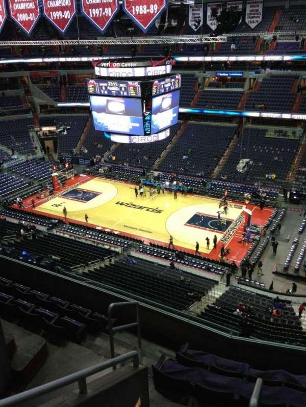 Capital One Arena, secção: 420, fila: G, lugar: 1