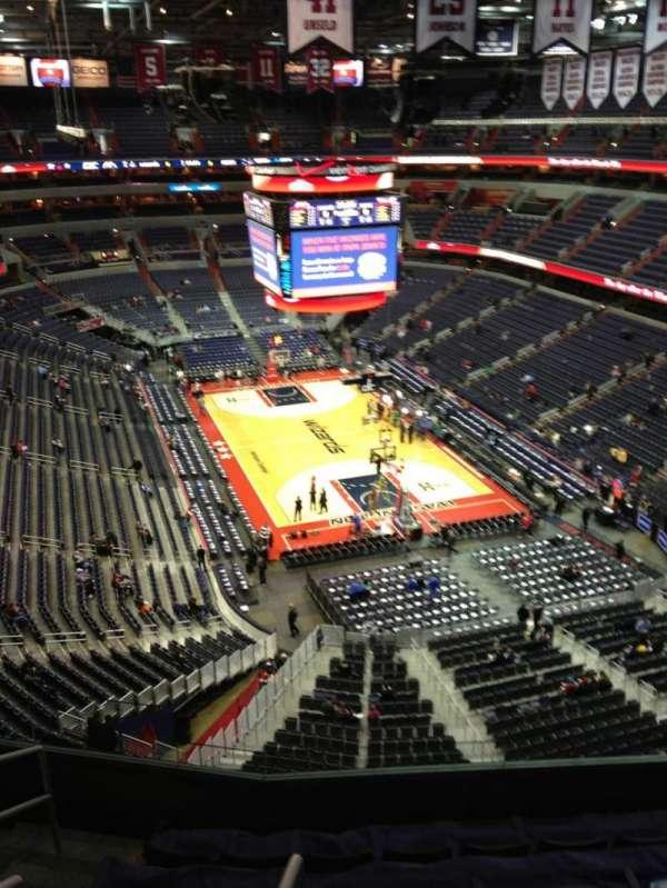 Capital One Arena, secção: 421, fila: G, lugar: 1