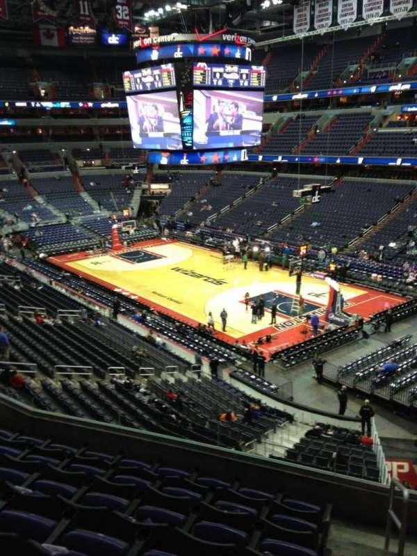 Capital One Arena, secção: 220, fila: F, lugar: 1