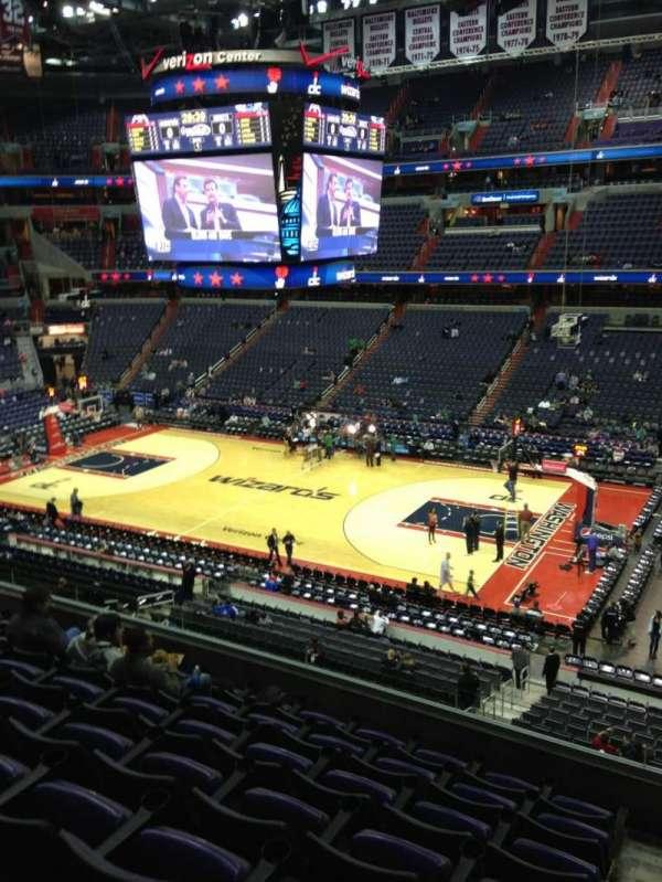 Capital One Arena, secção: 418, fila: F, lugar: 1