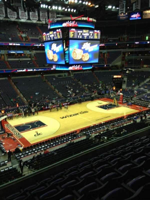Capital One Arena, secção: 213, fila: F, lugar: 1