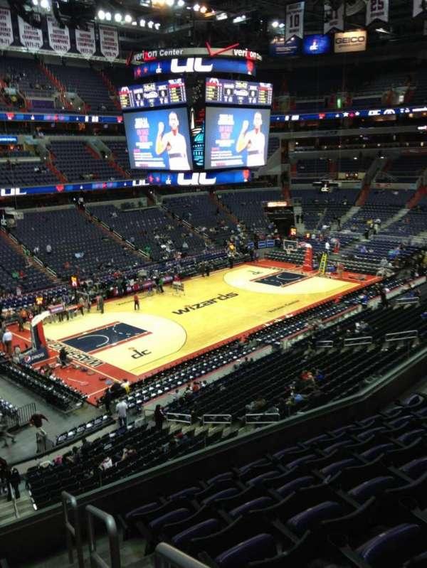 Capital One Arena, secção: 212, fila: F, lugar: 1