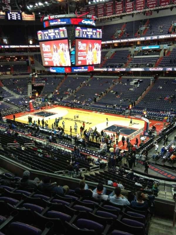 Capital One Arena, secção: 202, fila: F, lugar: 1