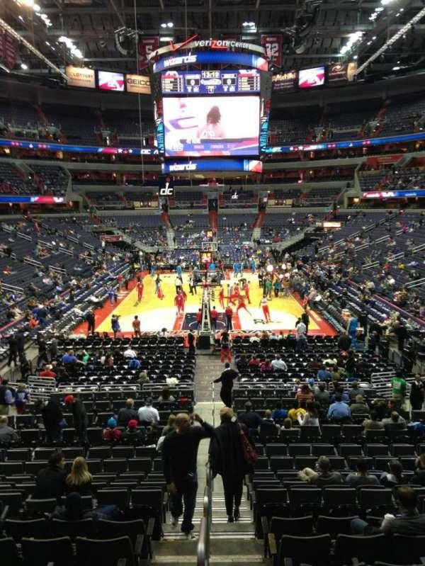 Capital One Arena, secção: 116, fila: R, lugar: 20