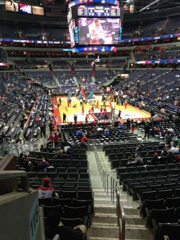 Capital One Arena, secção: 115, fila: R, lugar: 20