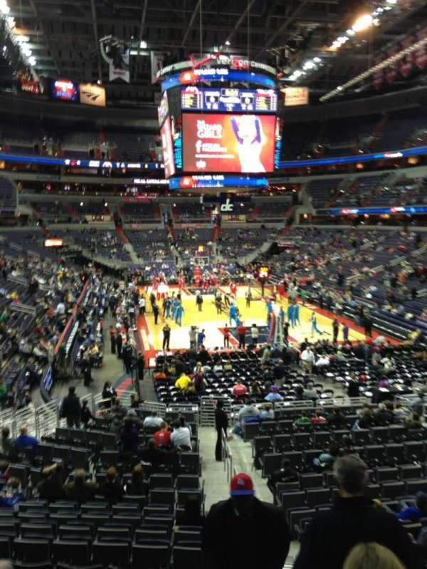 Capital One Arena, secção: 105, fila: R, lugar: 20