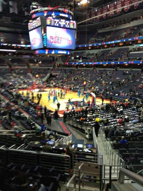 Capital One Arena, secção: 103, fila: R, lugar: 20