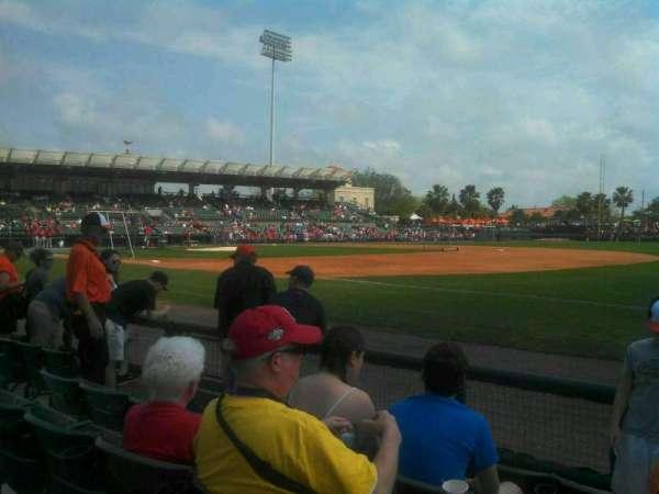 Ed Smith Stadium, secção: 103, fila: 5, lugar: 1
