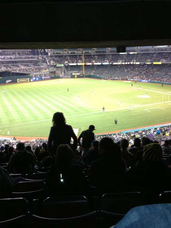 Oakland Coliseum, secção: 226, fila: 17, lugar: 12