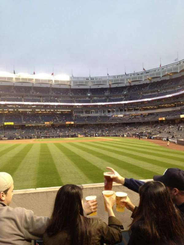 Yankee Stadium, secção: 135, fila: 12, lugar: R