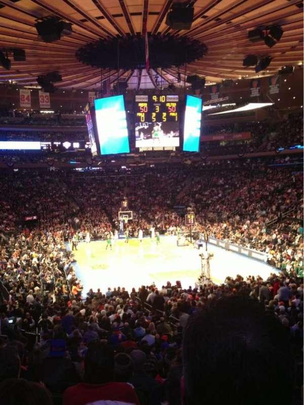 Madison Square Garden, secção: 101, fila: 19, lugar: 14