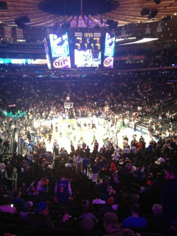 Madison Square Garden, secção: 101, fila: 19, lugar: 15