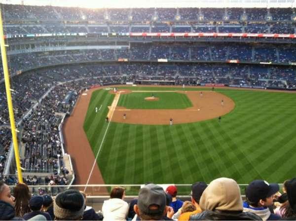 Yankee Stadium, secção: 306, fila: 6, lugar: 12