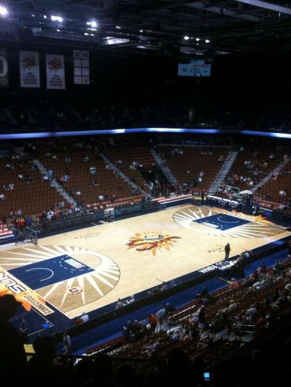 Mohegan Sun Arena, secção: 120, fila: J, lugar: 9