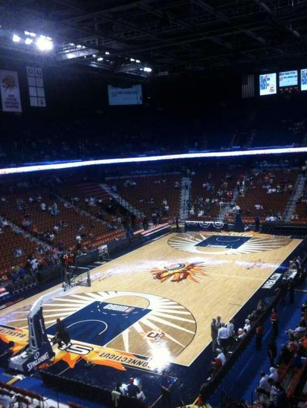 Mohegan Sun Arena, secção: 121, fila: C, lugar: 8