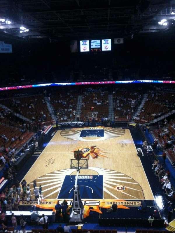 Mohegan Sun Arena, secção: 101, fila: G, lugar: 4