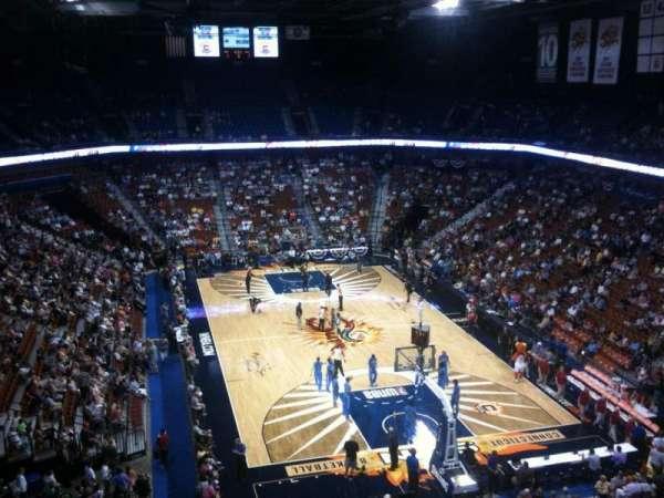 Mohegan Sun Arena, secção: 113, fila: K, lugar: 7