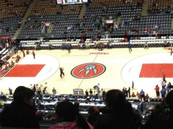 Scotiabank Arena, secção: 320, fila: 2, lugar: 12