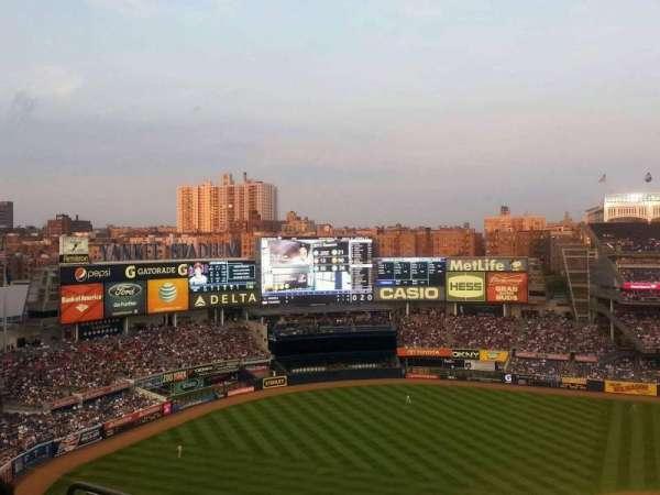 Yankee Stadium, secção: 424, fila: 5, lugar: 14