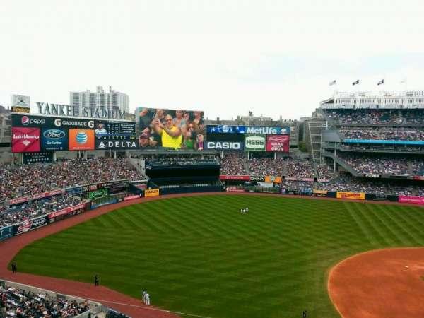 Yankee Stadium, secção: 326, fila: 1, lugar: 22