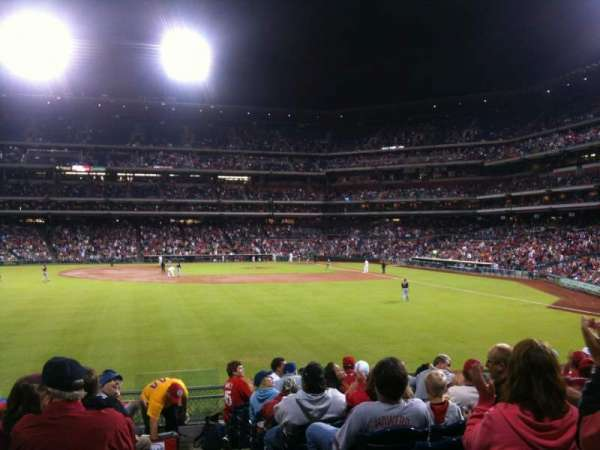 Citizens Bank Park, secção: 144, fila: 12, lugar: 2