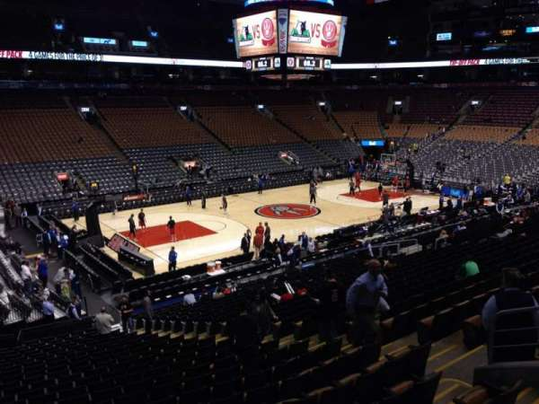 Scotiabank Arena, secção: 121, fila: 25, lugar: 9