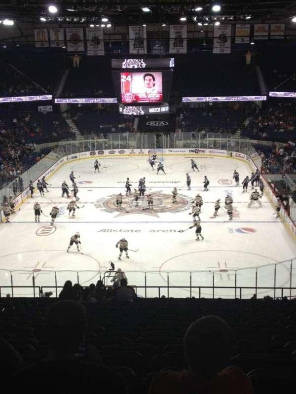 Allstate Arena, secção: 214, fila: W, lugar: 18