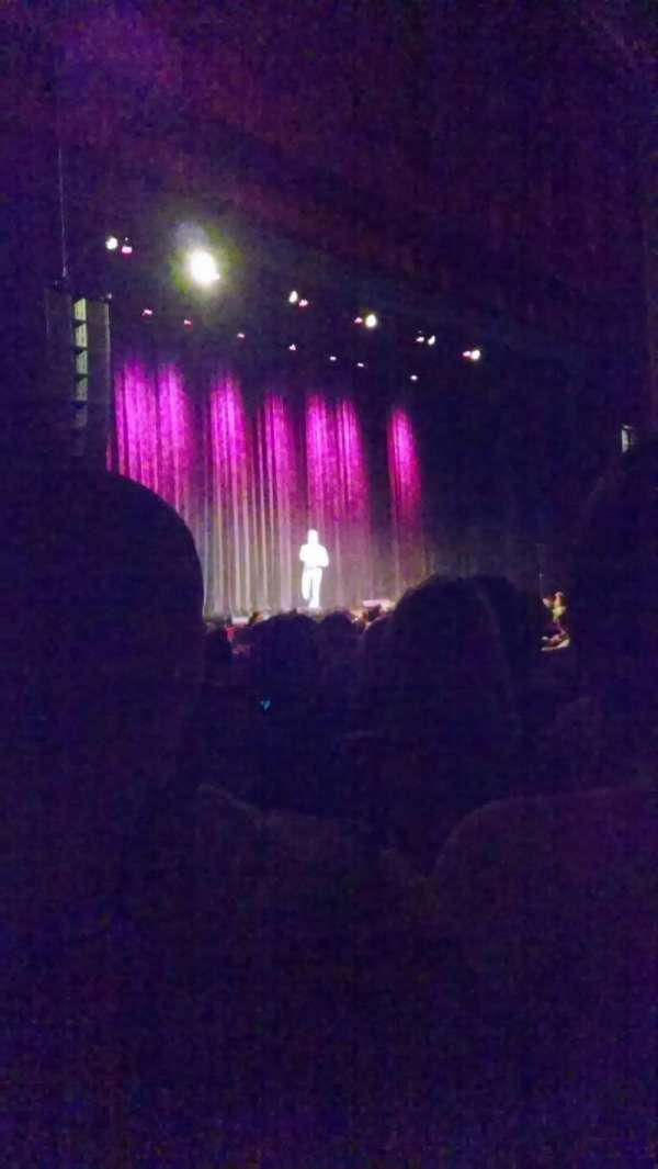 Chicago Theatre, secção: MNFL2L, fila: A, lugar: 217
