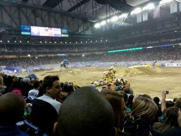 Ford Field, secção: 111, fila: 22, lugar: 16