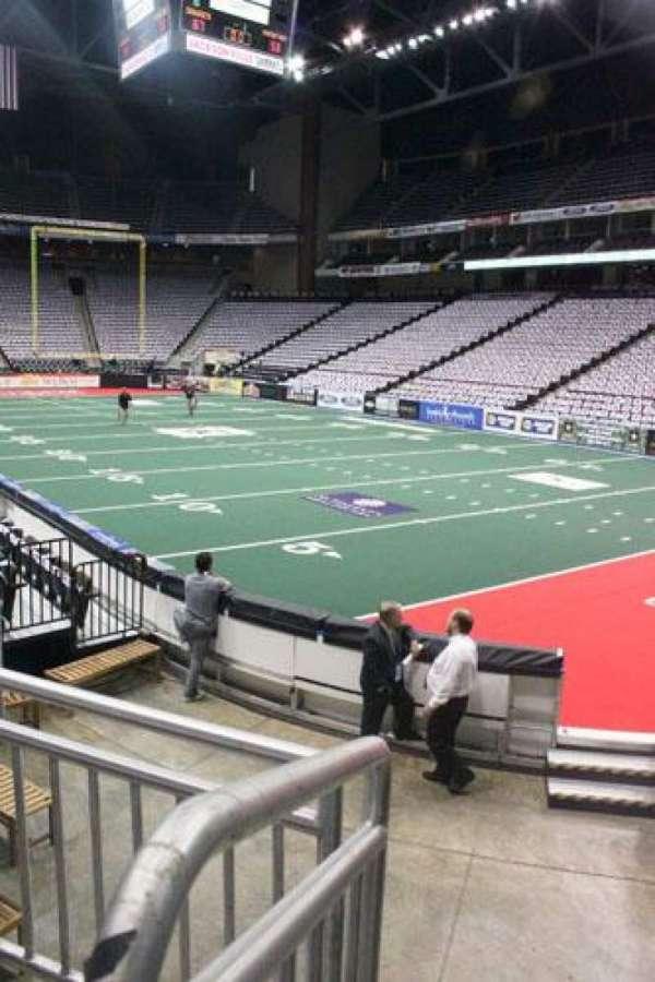VyStar Veterans Memorial Arena, secção: 100