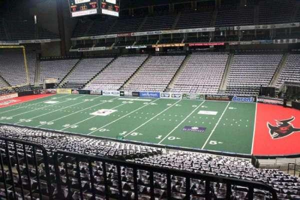 VyStar Veterans Memorial Arena, secção: 101, fila: W