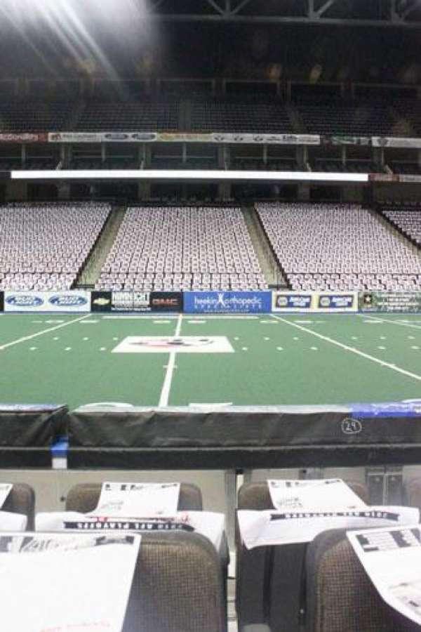VyStar Veterans Memorial Arena, secção: 103, fila: C, lugar: 11