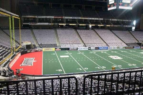 VyStar Veterans Memorial Arena, secção: 105, fila: W, lugar: 9